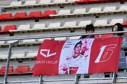Charles Leclerc, Alfa Romeo Sauber F1 Team fans and banner