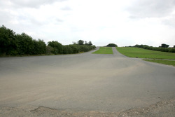 The old Melbourne hairping at Donington