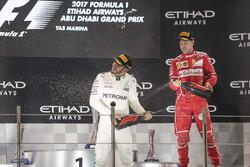 Podium: segundo, Lewis Hamilton, Mercedes AMG F1, tercero, Sebastian Vettel, Ferrari