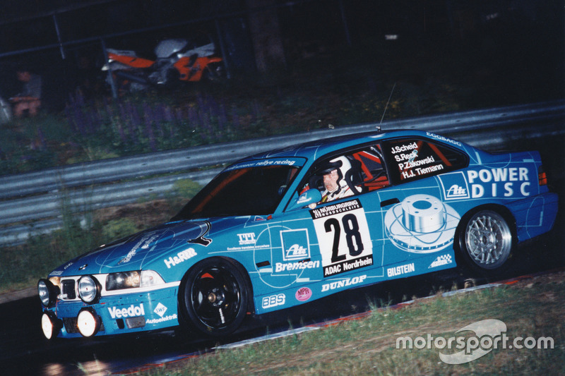 1997: Йоханнес Шайд, Сабина Рек, Ханс-Йюрген Тиман, Петер Цаковски – BMW M3 E36