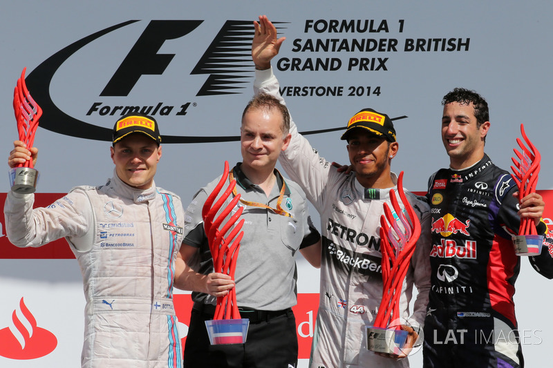 Podium: second placed Valtteri Bottas, Williams, John Owen, Mercedes AMG F1 Chief Designer, Race winner Lewis Hamilton, Mercedes AMG F1, third place Daniel Ricciardo, Red Bull Racing
