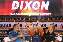 Scott Dixon, Chip Ganassi Racing Honda fires the six shooters