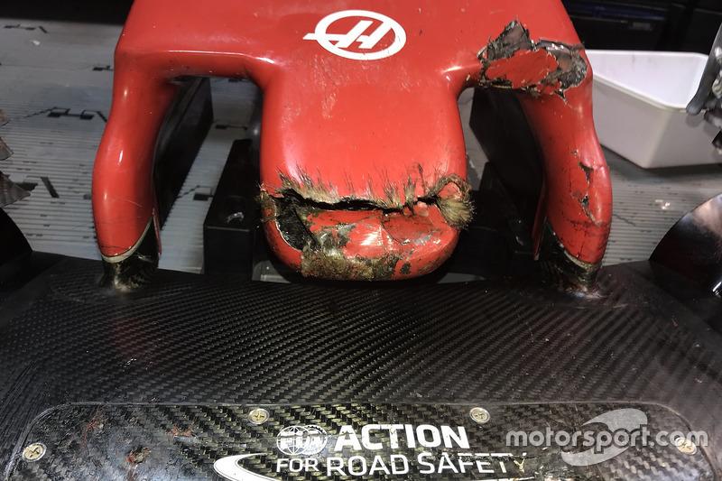 Mobil Haas F1 Team VF-18 Romain Grosjean setelah menabrak marmot