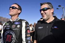 Kevin Harvick, Stewart-Haas Racing Ford, mit Tony Stewart