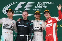 Podyum: 2. Nico Rosberg, Mercedes AMG F1, yarış galibi Lewis Hamilton, Mercedes AMG F1, third place Sebastian Vettel, Ferrari