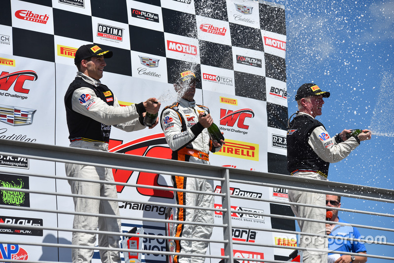 Podium GT: 1. Alvaro Parente, K-Pax Racing; 2. Michael Cooper, Cadillac Racing; 3. Johnny O'Connell,