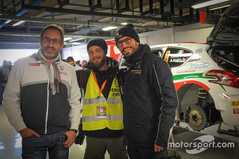 Carlo Leoni, Peugeot Sport Italia con Luca Riva, vincitore di Scatto Peugeot 2015, ed Eugenio Franzetti
