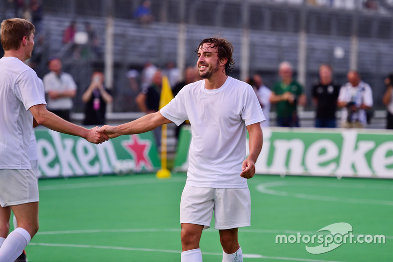 (L to R): Max Verstappen, Red Bull Racing and Fernando Alonso, McLaren at the charity 5-a-side football match
