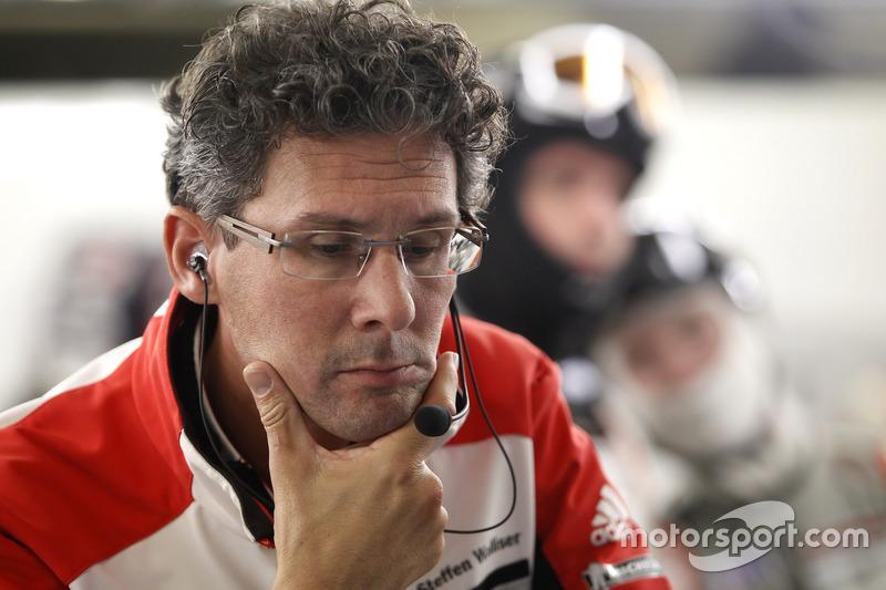 Керівник Porsche-Motorsport Доктор Франк-Штеффен Валлізер