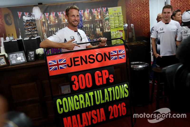 Jenson Button, McLaren Honda, feiert seinen 300. Grand Prix