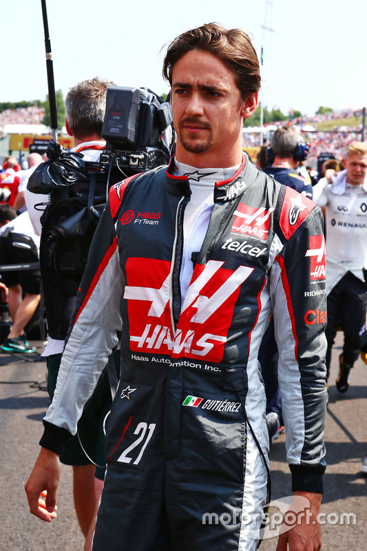 Esteban Gutierrez, Haas F1 Team on the grid