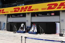 Williams garage screens