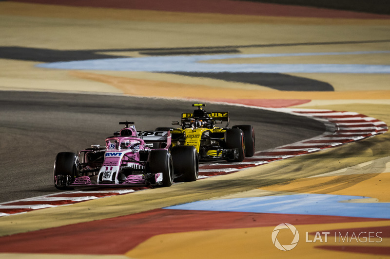 Sergio Perez, Force India VJM11 Mercedes, Carlos Sainz Jr., Renault Sport F1 Team R.S. 18