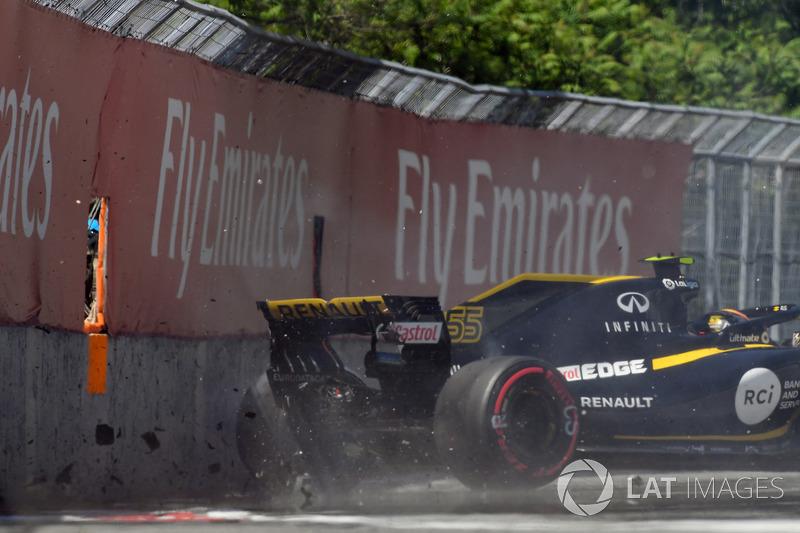 Столкновение со стеной: Карлос Сайнс, Renault Sport F1 Team RS18