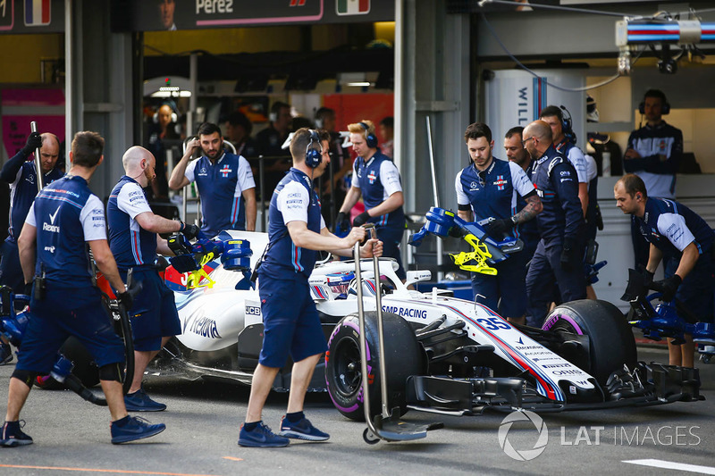 Sergey Sirotkin, Williams FW41 Mercedes ,en pits