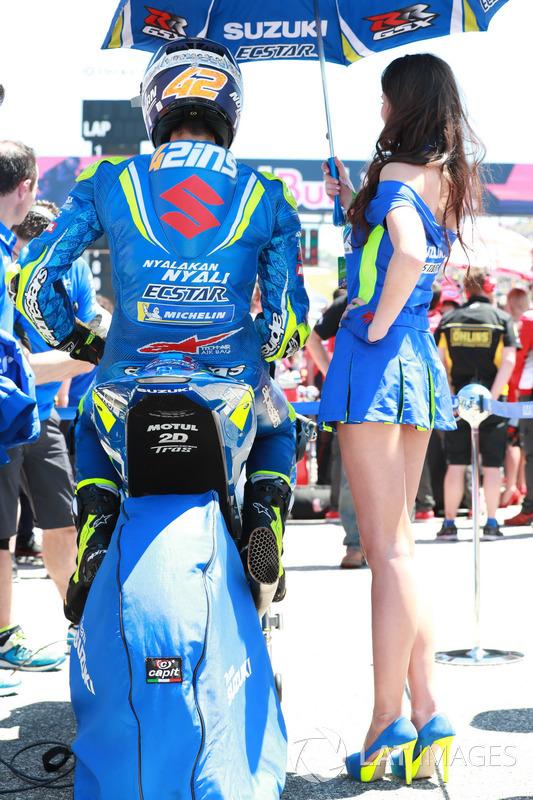 Alex Rins, Team Suzuki MotoGP, Grid girl