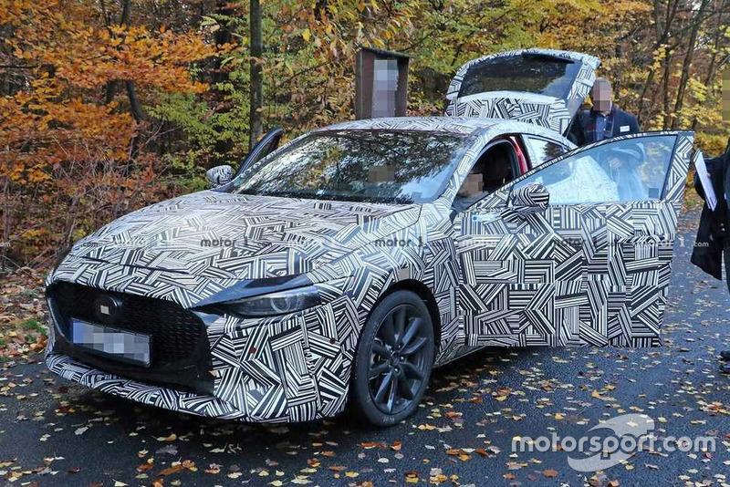Шпигунські фото нової Mazda3