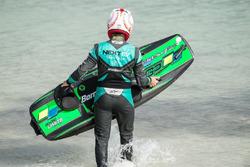 Nelson Piquet Jr. surf en Cancún