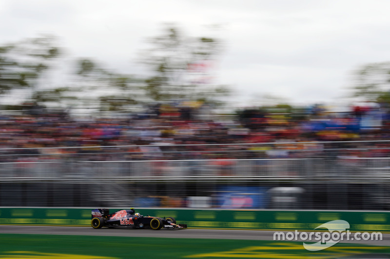 Карлос Сайнс-молодший, Scuderia Toro Rosso STR11