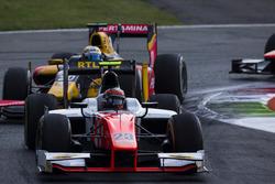 Daniel de Jong, MP Motorsport leads Antonio Giovinazzi, PREMA Racing