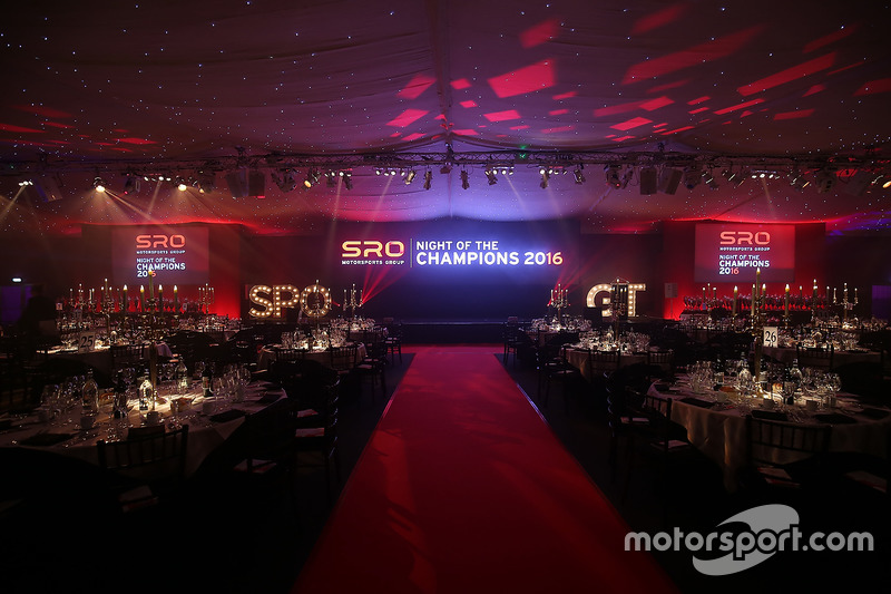 Premiación noche de SRO campeones 2016