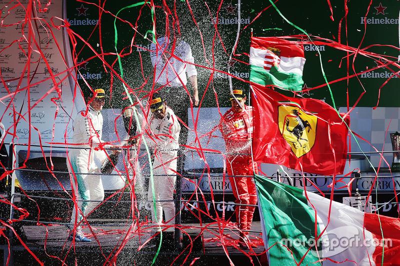 Podium: race winner Lewis Hamilton, Mercedes AMG F1, second place Valtteri Bottas, Mercedes AMG F1, third place Sebastian Vettel, Ferrari
