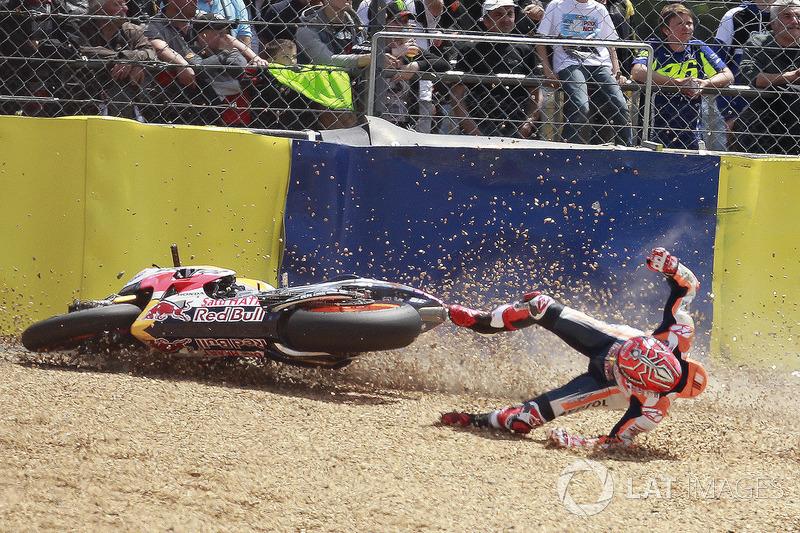 Marquez juga terjatuh saat balapan