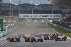 Льюіс Хемілтон, Mercedes AMG F1 W08, Макс Ферстаппен, Red Bull Racing RB13, Валттері Боттас, Mercedes AMG F1 W08, Даніель Ріккардо, Red Bull Racing RB13