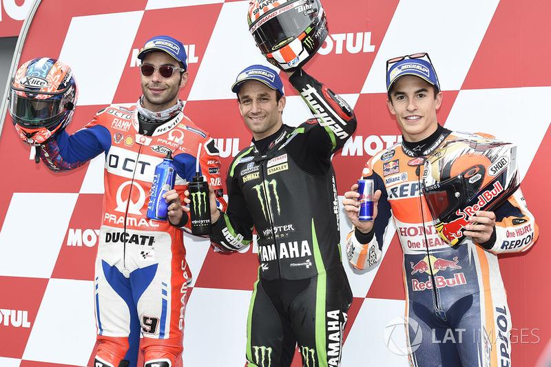 Johann Zarco, pole position Gran Premio Japón, junto a Danilo Petrucci y Marc Márquez, completando la primera fila