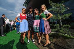 Daniel Ricciardo, Red Bull Racing y las chicas