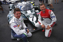 Guy Smith and Tom Kristensen pose, the Bentley Speed 8 LMP1 that they shared to victory at Le Mans in 2003