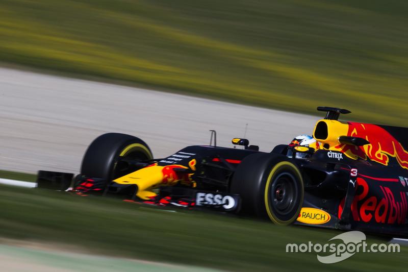 9º Daniel Ricciardo, Red Bull Racing RB13, 1m19.900s (ultrablandos)