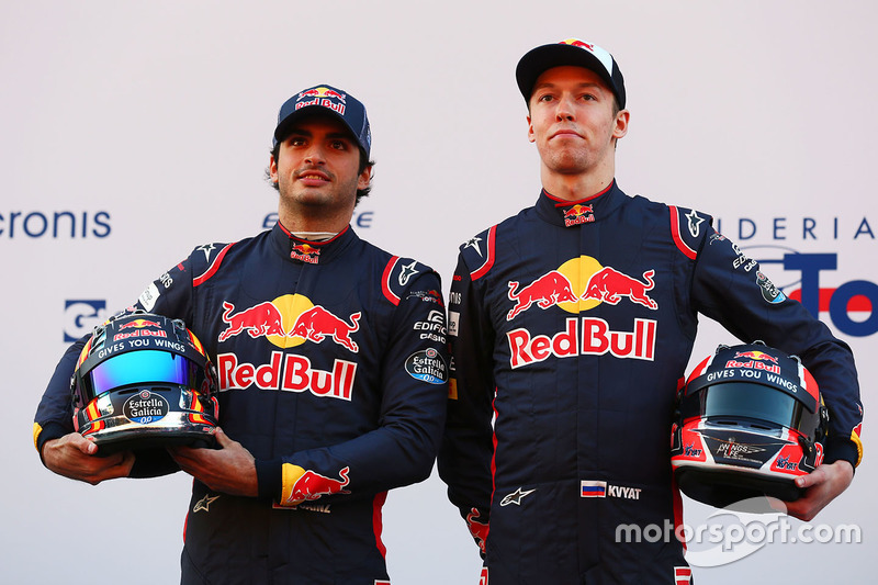 Carlos Sainz y Daniil Kvyat, pilotos de la Scuderia Toro Rosso