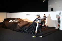 Sergio Pérez y Esteban Ocon en el lanzamiento de Sahara Force India