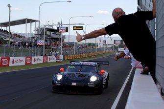 Race winner #912 EBM Porsche 911 GT3-R: Dirk Werner, Dennis Olsen, Matt Campbell