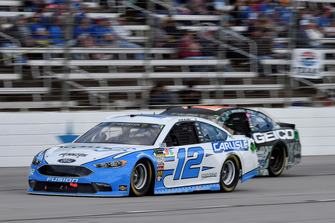 Ryan Blaney, Team Penske, Ford Fusion Accella/Carlisle, Ty Dillon, Germain Racing, Chevrolet Camaro GEICO Military
