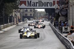 Rene Arnoux, Renault RE30B, Riccardo Patrese, Brabham BT49D-Ford Cosworth, Bruno Giacomelli, Alfa Romeo 182, Alain Prost, Renault RE30B ve Didier Pironi, Ferrari 126C2