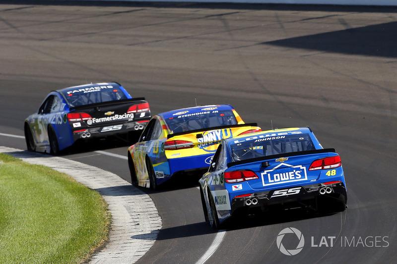 Jimmie Johnson, Hendrick Motorsports Chevrolet, Ricky Stenhouse Jr., Roush Fenway Racing Ford, Kasey Kahne, Hendrick Motorsports Chevrolet