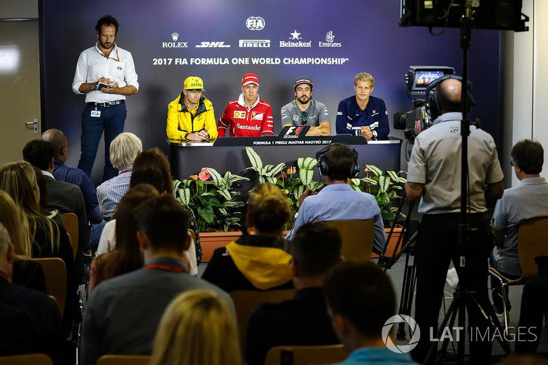 Медіа-делегат  FIA Маттео Бончіані, Ніко Хюлькенберг, Renault Sport F1 Team RS17, Себастьян Феттель, Ferrari, Фернандо Алонсо, McLaren, Маркус Ерікссон, Sauber