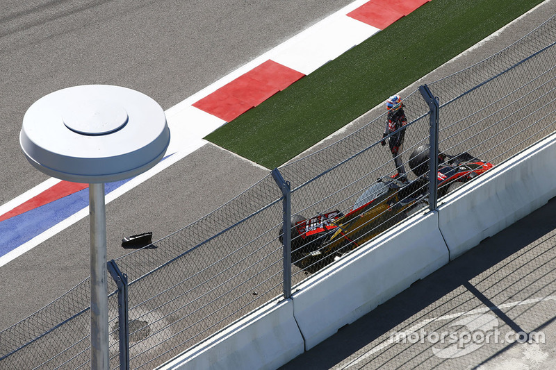 Romain Grosjean, Haas F1 Team, retires after a collision