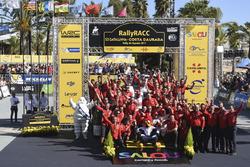Winners Kris Meeke, Paul Nagle, Citroën C3 WRC, Citroën World Rally Team with the team