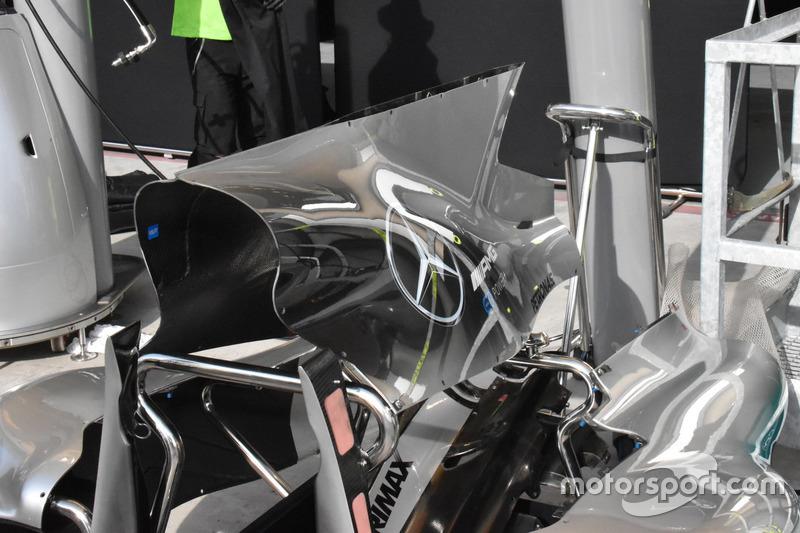 Капот двигателя Mercedes F1 W08