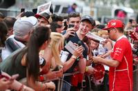 Kimi Raikkonen, Ferrari incontra i fan alla sessione autografi