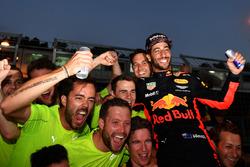 Race winner Daniel Ricciardo, Red Bull Racing celebrates with the team
