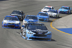 Brad Keselowski, Team Penske Ford, A.J. Allmendinger, JTG Daugherty Racing Chevrolet
