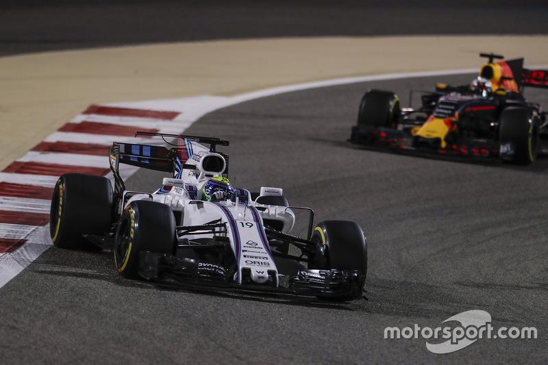 Felipe Massa, Williams FW40, Daniel Ricciardo, Red Bull Racing RB13