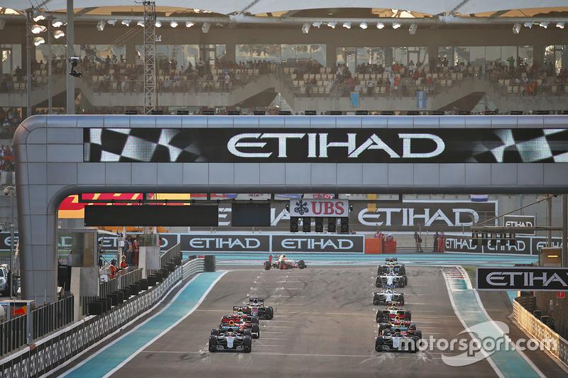 Lewis Hamilton, Mercedes AMG F1 W07 Hybrid al inicio