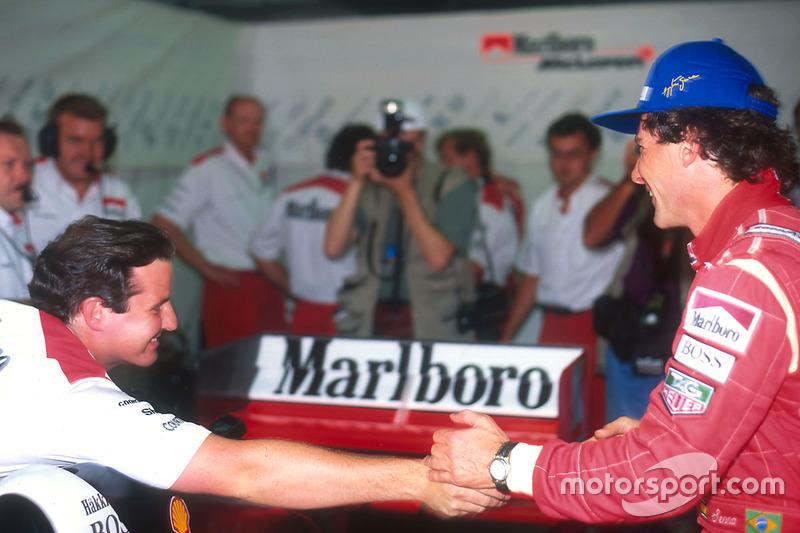 Ayrton Senna, McLaren félicité par des membres de l'équipe