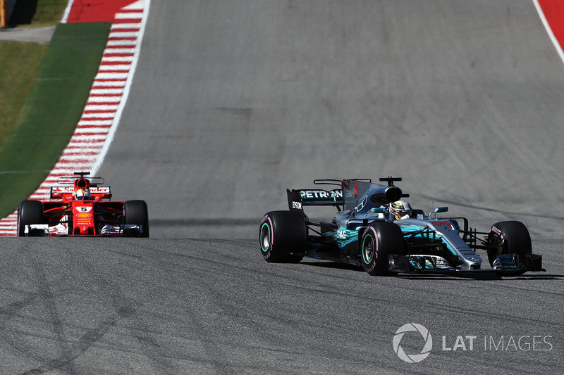 Льюіс Хемілтон, Mercedes-Benz F1 W08, Себастьян Феттель, Ferrari SF70H