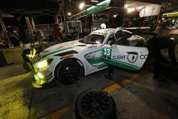 #33 Riley Motorsports Mercedes AMG GT3, GTD: Jeroen Bleekemolen, Ben Keating, Luca Stolz, pit stop